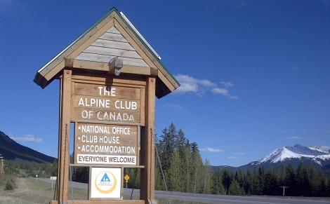 canmore, alpine club of canada, alberta, hostel, canada, calgary, hikin g